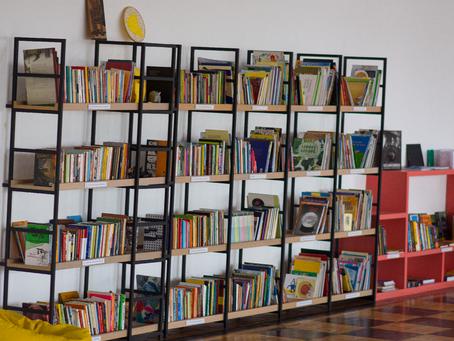 Veja cinco livros teóricos de referência que você encontra na Biblioteca Quindim
