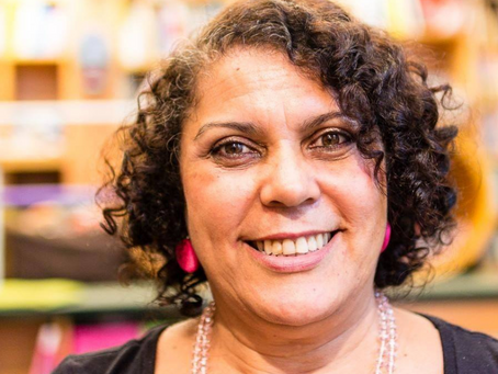 LIVE DA SEMANA: Escritora Sonia Rosa fala sobre literatura negra na infância