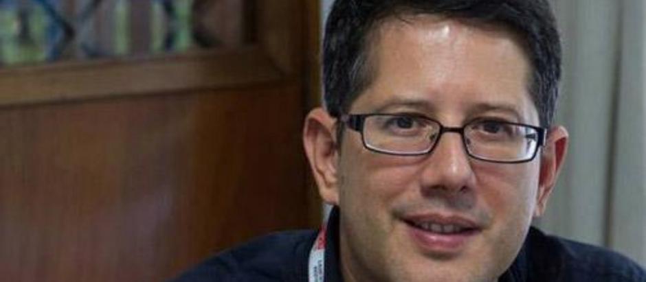 QUINDIM ENTREVISTA: ESCRITOR VENEZUELANO FANUEL HANÁN DÍAZ FALA SOBRE HORIZONTES DO LIVRO INFANTIL
