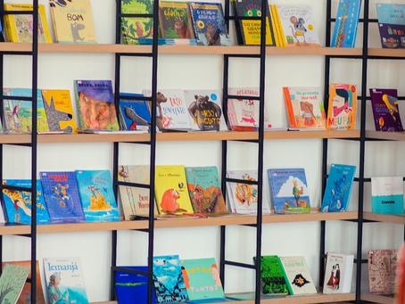 Loja Quindim realiza promoção de livros teóricos