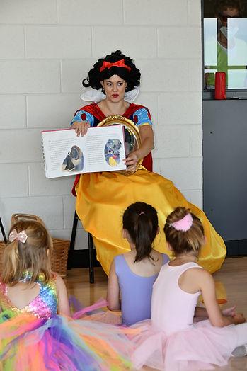 Snow White Ballet Adventure 82121-002.jpg
