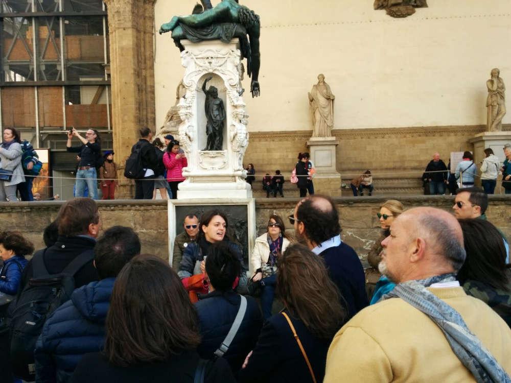 Guida-turistica-a-firenze-eleonora-piazza-signoria