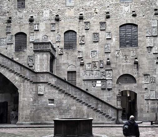 museo-bargello-firenze-cortile