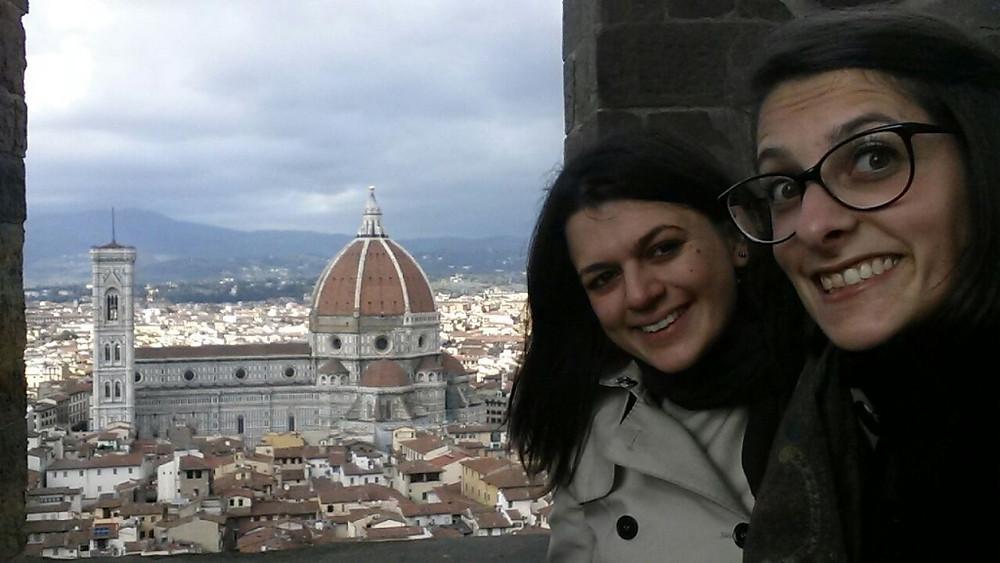 Irene e Eleonora Guide a Firenze foto scattata da Palazzo Vecchio a Firenze panorama sulla cattedrale di Santa Maria del Fiore e la Cupola del Brunelleschi