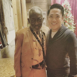 The legendary __garrettmorris was one of the first to welcome me to _2brokegirlscbs and he did and c