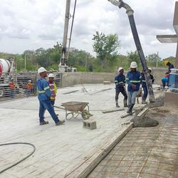 Si ya estamos Listos, Solo Hormigon Industrial en Toda la obra, servido por nuestro suplidor _cemex_