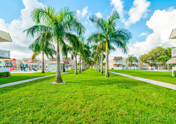 Apartments in Pompano Beach, Florida41319_hdp_windsorforest_ext_odc2.jpg