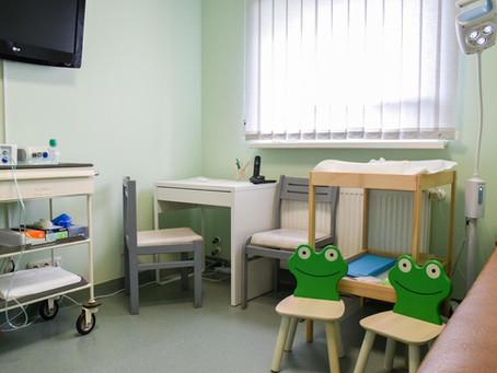 Iekārtota bērnu pirmreizējās apskates telpa