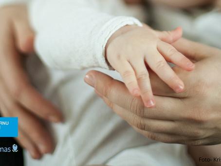 Kuldīgas slimnīca atbalsta pirmās emocionālās palīdzības vajadzību māmiņām