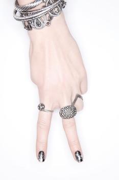 peace-sign-hand-silver-jewelry-gioiello-