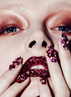 crystal-lips-swarovski-hoilday-beauty.jp