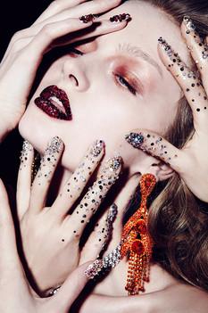 sparkly-glittery-beauty-shoot-editorial-