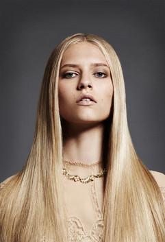 stick-straight-hair-smooth-beauty-editor