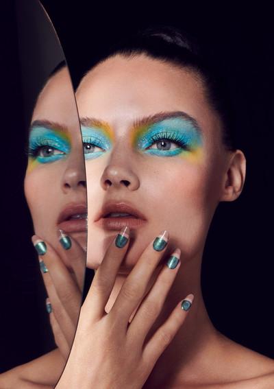 woman-mask-unveil-reveal-beauty-editoria