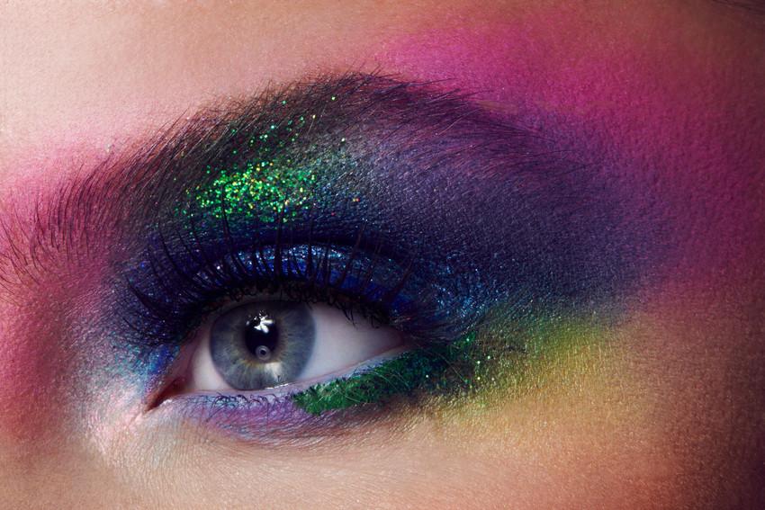 artistic-blowie-makeup-glitter-rainbow-e