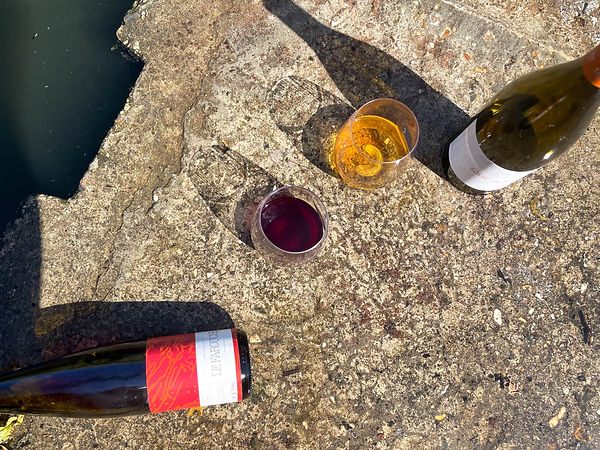 Take Away edelrot natural wine bar & sho