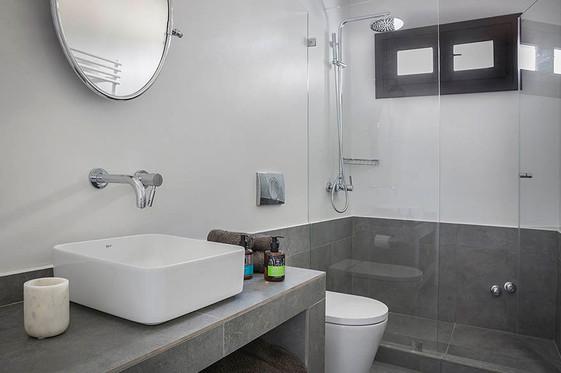 House 1st floor bathroom