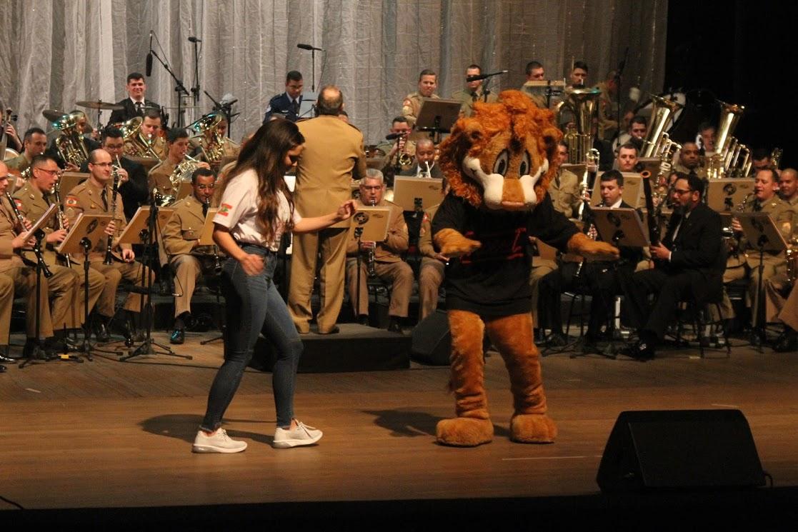 Banda CIC (243)