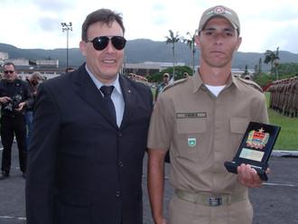 ABERSSESC premia o primeiro colocado no Curso de Formação de Soldados
