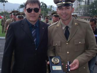 ABERSSESC homenageia primeiro colocado do Curso de Formação de Sargentos da PMSC