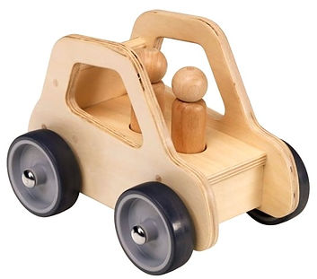 wooden car editado.jpg