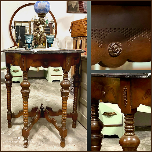 CARVED MAPLE Antique VICTORIAN ENTRY TABLE Early 1900s  End Table