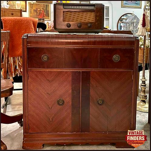 ART DECO Antique 1930s WATERFALL LIQUOR CABINET Vintage Buffet/Record Shelf