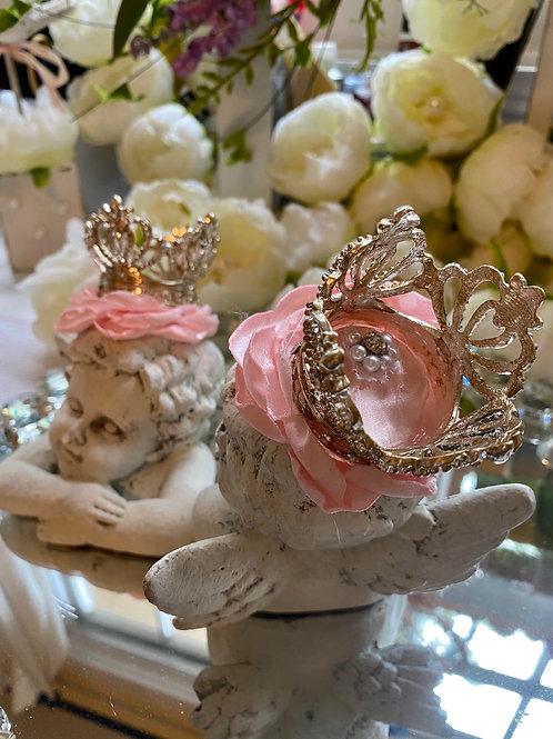 Pair of crowned angel busts