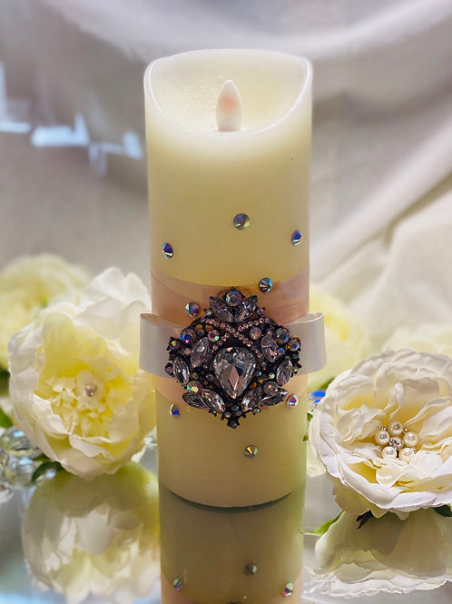 Embellished pillar