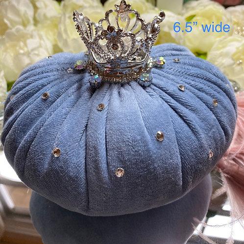 Blue velvet, crown