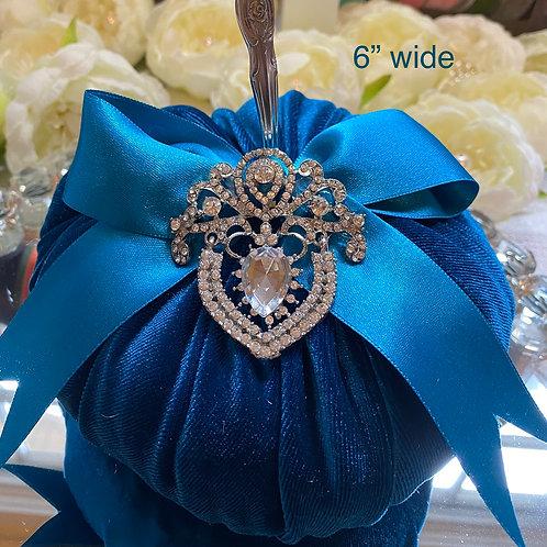 Royal blue velvet, vintage spoon stem.