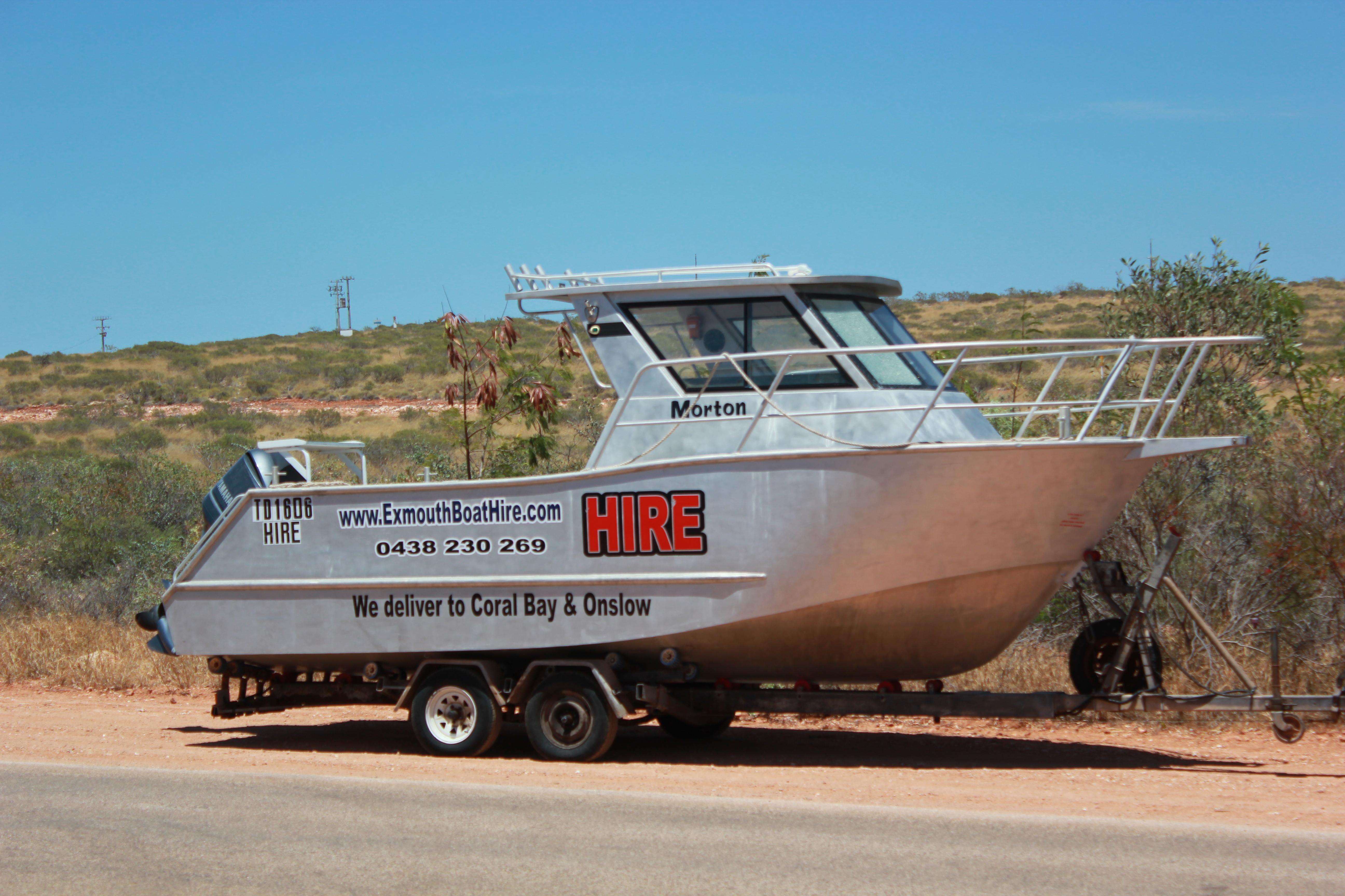7m hire boat