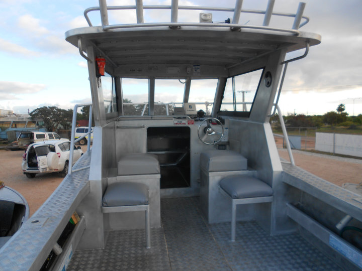 7m hireboat deck