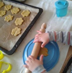 Oggi siamo di biscotti _).jpg
