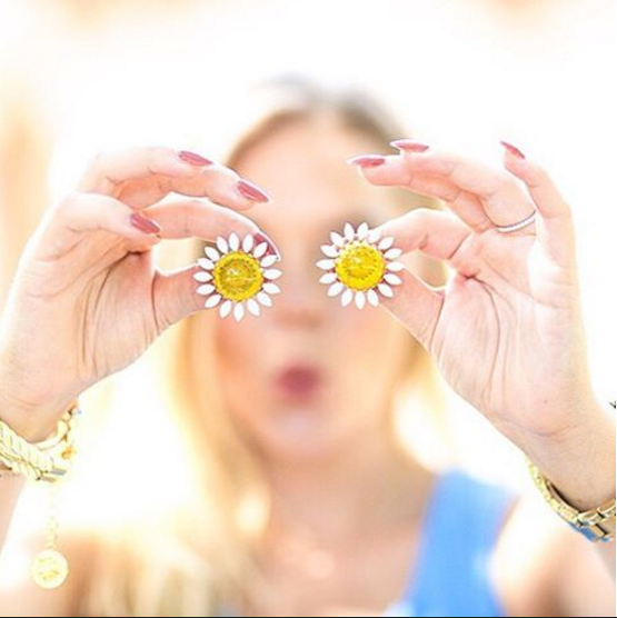 Real Flower Jewelry Affiliate Program FlowerMoon® by Kittoune - Influencers Bloom!