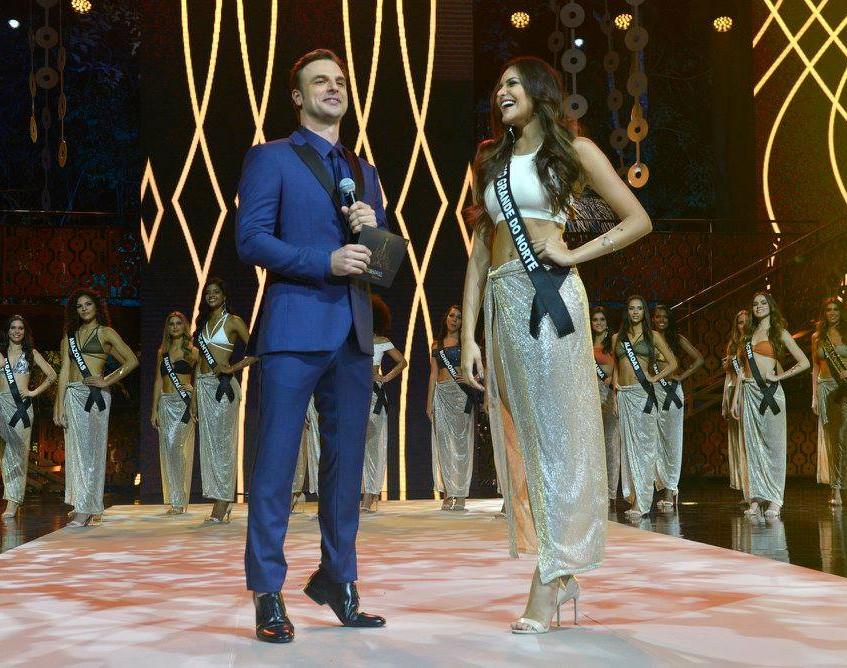 Miss Rio Grande do Norte 2017, Milena Balza , com apresentador Cássio Reis - Foto Maristela Colucci