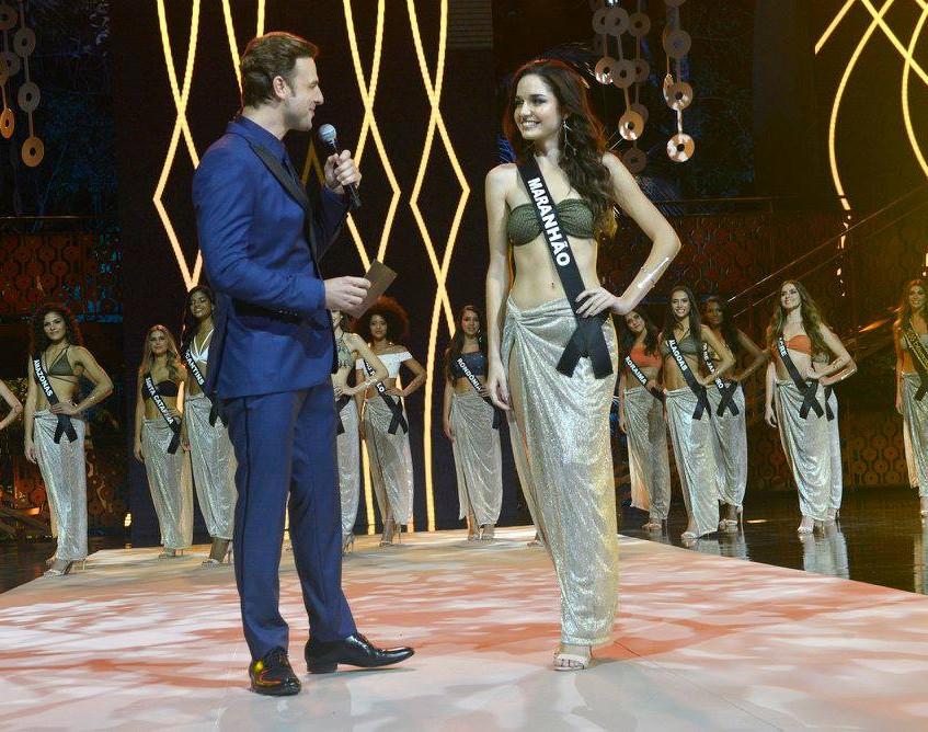 Miss Maranhão 2017, Beatriz Nazareno, com apresentador Cássio Reis - Foto Maristela Colucci