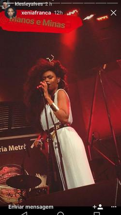Cantora Xênia França