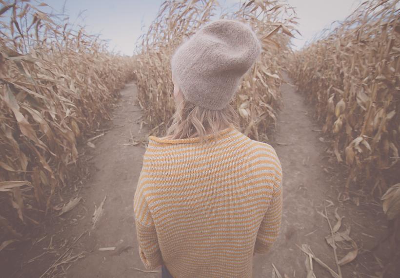 girl cornfield PSD.png