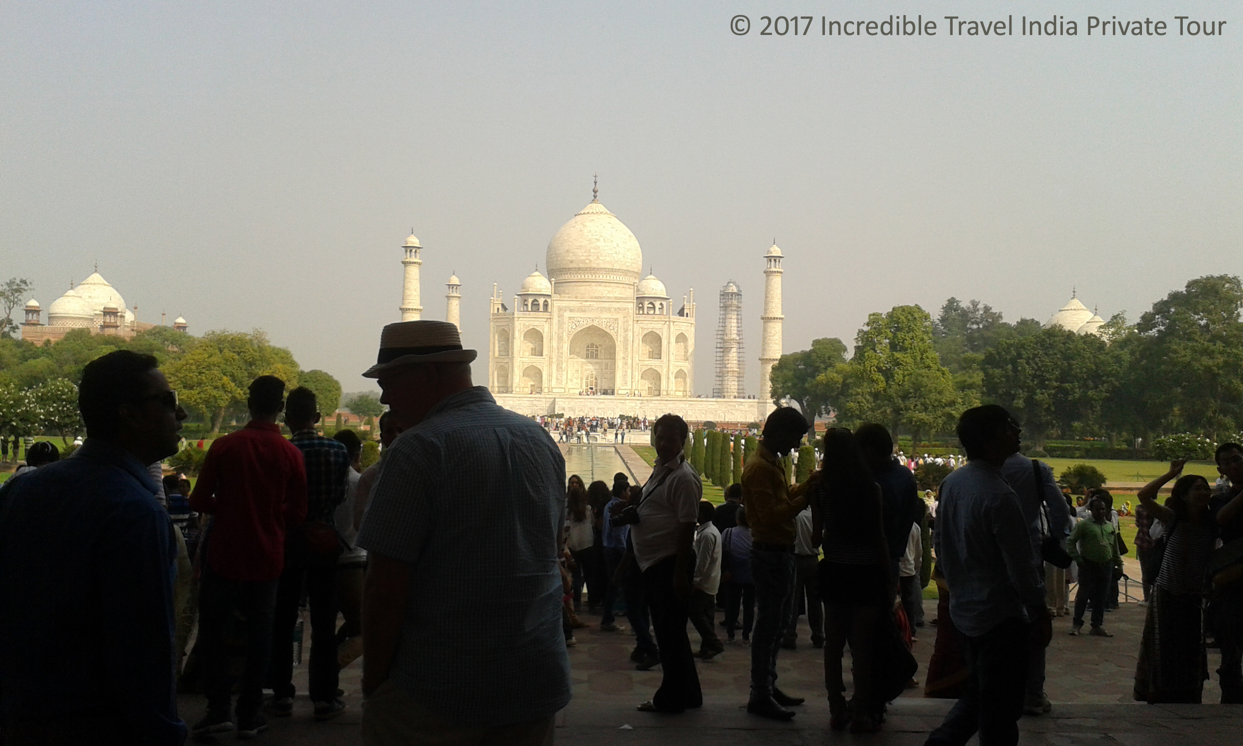 taj_mahal_agra_tour_©_2017_Incredible_Travel_India_Private_Tour