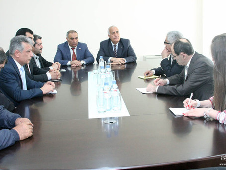 Armenian Deputy Foreign Minister Shavarsh Kocharyan Received Yazidi, Assyrian Representatives