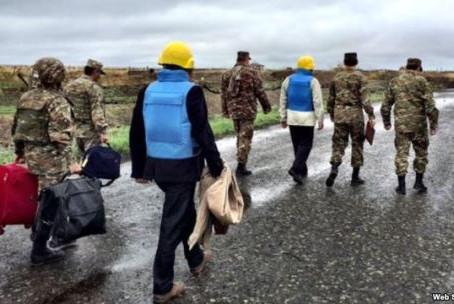 Mediators 'Under Fire' On Karabakh Frontline