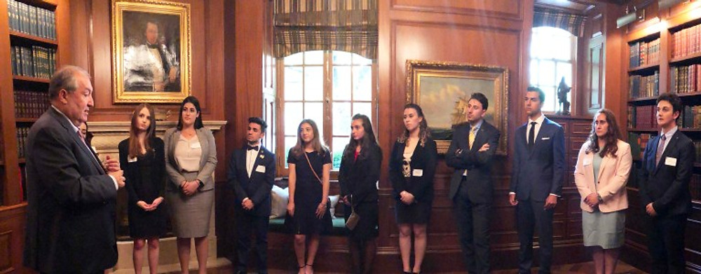 President Sarkissian with Interns 3