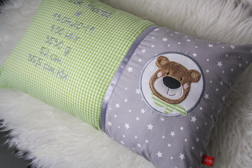 Geburtskissen - Bär mit Halstuch