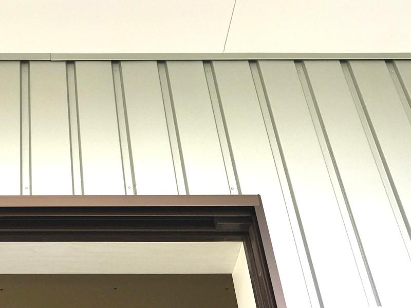 外壁 ガルバリウム鋼板 シンプルデザイン