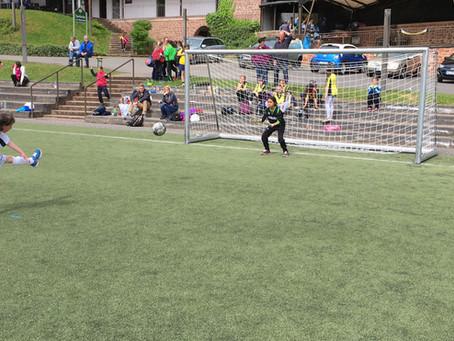 Fußball-Mädchen der GS Mülheim sichern sich das Triple!!!