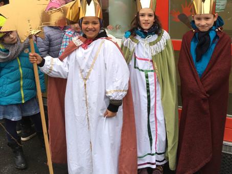 Die Heiligen Drei Könige segnen die Grundschule auch 2017