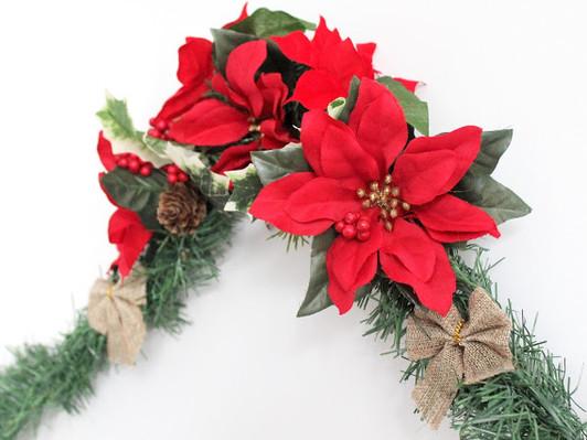 Easy DIY Christmas Poinsettia Garland