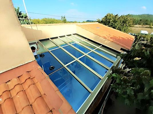toiture de veranda 83170
