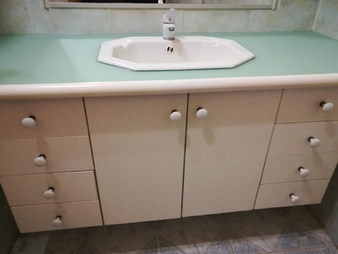 plan de salle de bain verre peint mat